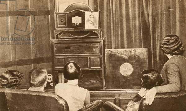Early experimental television broadcast, 1920s (b/w photo)
