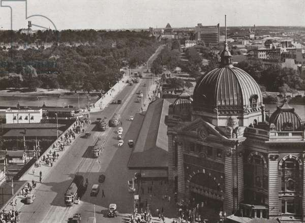Melbourne: Looking south over Princes Bridge and along St Kilda Road (b/w photo)