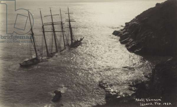 Wreck of the Adolf Vinnen, The Lizard, Cornwall, February 1923 (b/w photo)