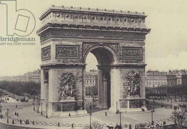 Paris, Arc de Triomphe de l'Etoile (b/w photo)