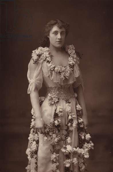 Miss Julia Neilson (b/w photo)