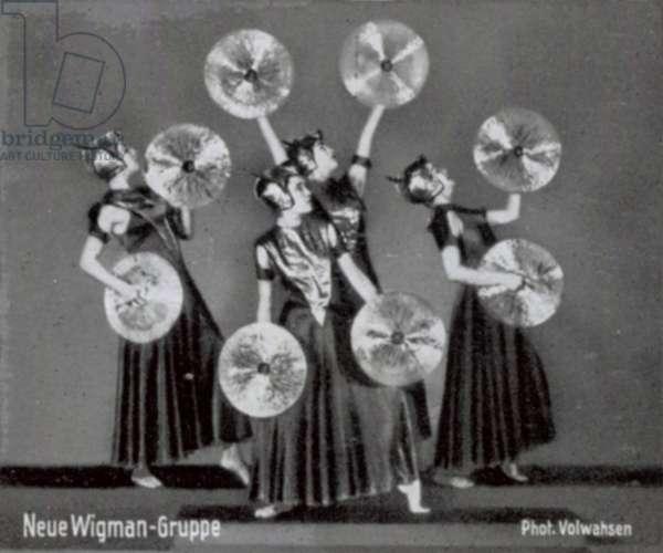 Neue Wigman-Gruppe (b/w photo)