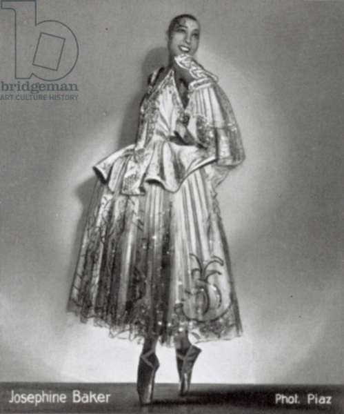 Josephine Baker (b/w photo)