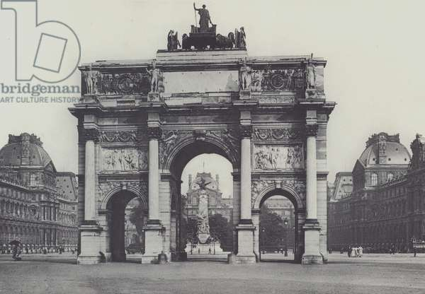 Paris, Arc de Triomphe du Carrousel et Monument de Gambetta (b/w photo)