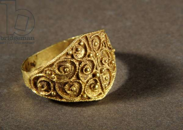 Small filigree ring, 'The West Yorkshire Hoard' (gold)