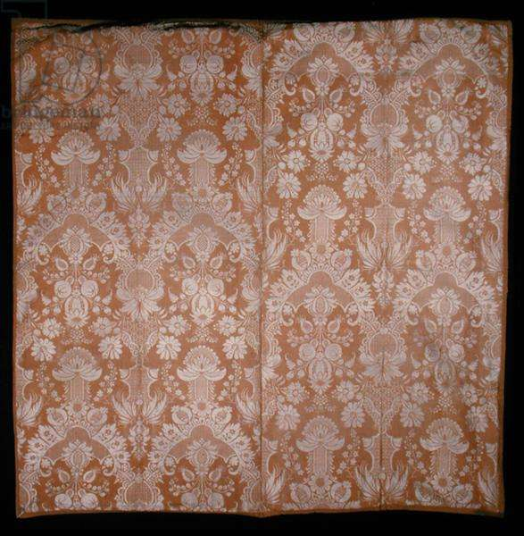 Dress silk, c.1720 (two-coloured damask)