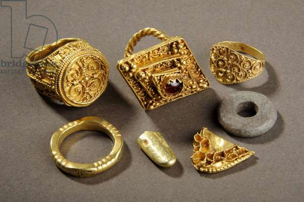 Jewellery, 'The West Yorkshire Hoard' (gold)
