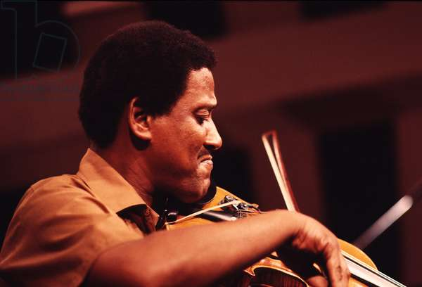 Ray Nance playing violin