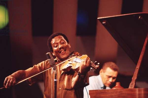 Ray Nance playing violin
