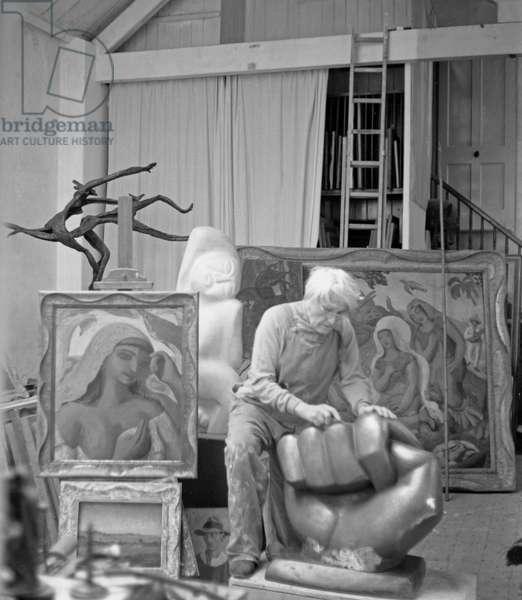 Leon Underwood in his studio, 1971 (b/w photo)