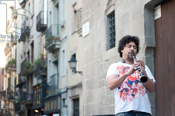 Musicians performing in the gothic part of Barcelona, Spain