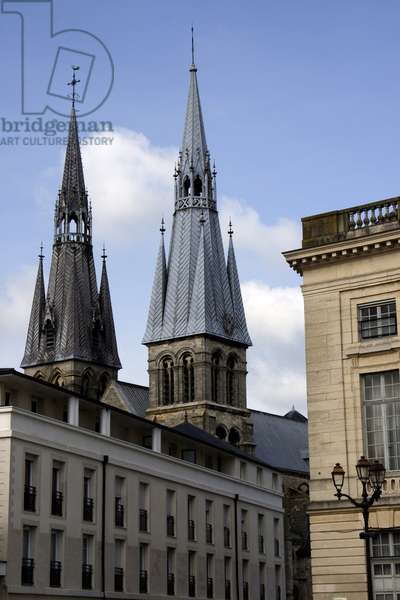 France, Champagne-Ardenne, Marne (51), Chalon and Champagne (Chalon-En-Champagne). Steeples of the Chalon's church from the city hall place. Photography Florent Lamontagne