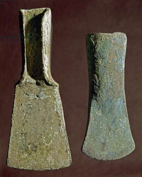 Prehistory: axe and spear tip in flint. Civilization of the Apennines (or Italian Bronze Age). 1400-1300 BC. Perugia, Museo Archeologico Nazionale dell'Umbria
