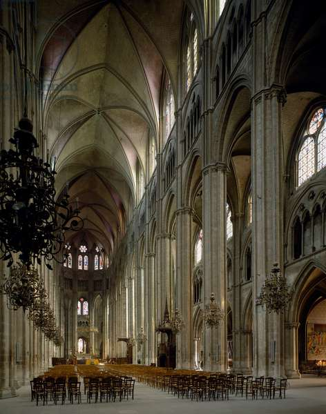 View of the central nave of the Cathedrale Saint Etienne, 1195-1324 (photography)