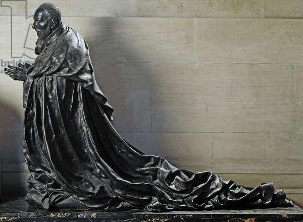 Cardinal Rene de Birague in prayer (Bronze sculpture, 1584-1585)