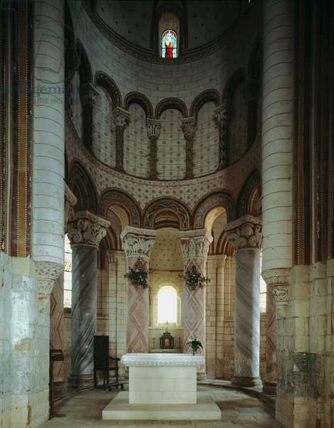 Inside view of the apse and the ambulatory of the church of St. Peter (photography)