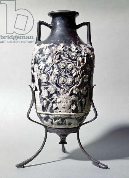Roman Art: Amphorisque called blue vase, Dionysian scene 1st century BC From Pompeii Italy (Roman art: little amphora called blue vase showing a dionysian scene 1st century BC From Pompeii Italy) Museo Archeologico Nazionale Naples