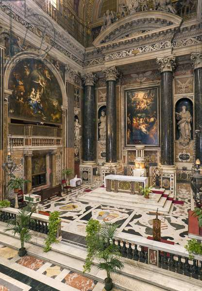 Baroque Art: Interior view of the Jesuite Church of the Holy Name of Jesus (chiesa del Gesu) in Rome, 1568 (Interior view of Jesus church in Rome) Italy
