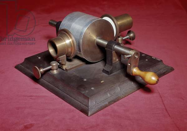 One of Thomas Edison's first phonographs (one of the earlier phonograph), 1877 British Museum of Sciences London