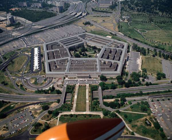 Air view of the Pentagon, headquarters of the United States Department of Defense, Arlington, Virginia, USA 1988 - Aerial view of Pentagon, headquarters of the United States Department of Defense, Arlington, Virginia, 1988 - Photography