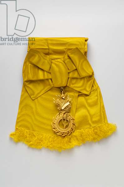 Thailand - Order of the Royal House of Chakri: gold badge belonging to Victor Emmanuel of Savoy Aosta (Vittorio Emanuele) (1872-1946), Count of Turin - beginning of the 20th century - H: 8.2 cm; W: 4 cm; Weight: 50 g - Private collection