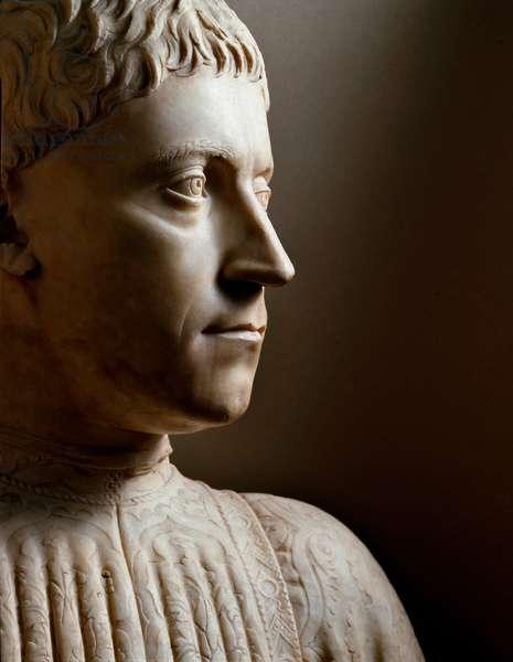 Bust of Peter I of Medici (1416-1469) (Piero di Cosimo de Medici or Pierre de Cosimo de Medicis) Duke of Florence, nicknamed il Gottoso. Marble sculpture by Mino di Giovanni Mini da Poppio, dit Mino da Fiesole (1429-1484) 1453 Florence, Museo Nazionale del Bargello