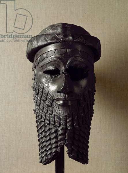 Sumerian art: head of king, perhaps Naram-Sin (Naram Sin) (2254-2218 BC). Bronze sculpture. About 2250 BC Dim. 36x20 cm Baghdad, National Iraq Museum