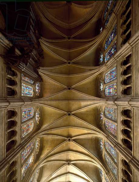 View of the ceiling of the Cathedrale Notre Dame, 1194-1220 (photography)