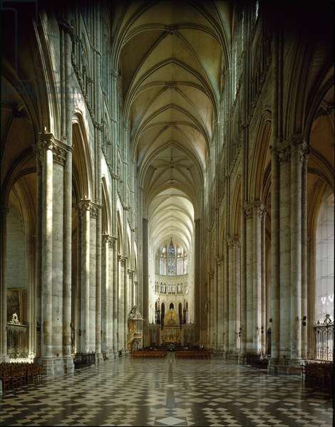 View of the central nave of the Cathedrale Notre Dame, c. 1220 (photography)