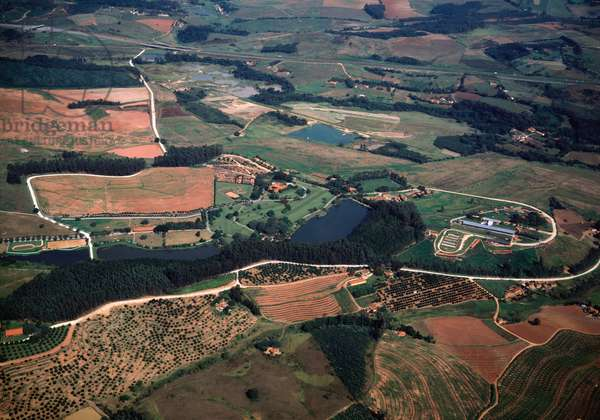Aerial view of farmlands and fazenda near Campinas in Sao Paulo state, Brazil - Aerial view of farmlands and fazenda near Campinas in Sao Paulo state, Brazil - Photography - 1983