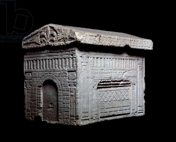 Etruscan civilization: representation of an etruscan house, model of an etruscan house, funerary miniature, Italy Florence, archeological museum