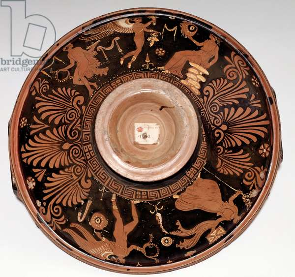 Patera with maenad and Eros (terracotta, 325-300 BC)