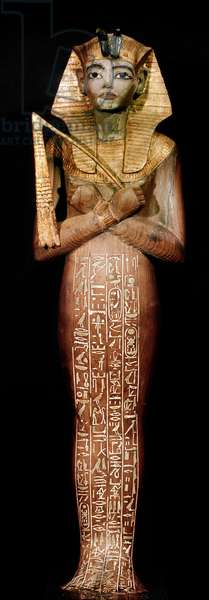 Egyptian antiquite: shabti (chaouabti, oushebti) (burial statuette in gold wood) of King Tutankhamun represented in Osiris being part of the Tresor of the Pharaoh, Around 1340 BC, From the tomb of All-Ankh-Amon (Tutankhamun or Tutankhamun), Vallee of the Kings, Deir el Bahari (Al-Bahri), 18th Dynasty - Cairo, Egyptian Museum - Shabti from the treasure of Tutankhamun - Funerary giltwood sculpture, c.1340 BC, from the pharaoh tomb, in the Valley of the Kings (Egypt) - Museum of Egyptian Antiquities, Cairo (Egypt)