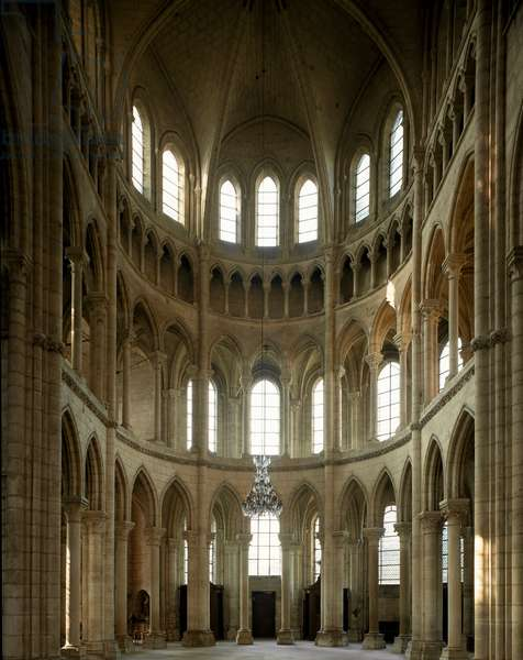 Internal view of the cathedral of Saint Gervais and Saint Protais, 12th-13th century (photography)