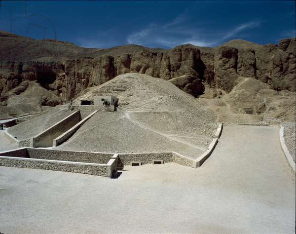 View of the Tutankhamun tomb, valley of kings, 16th century BC