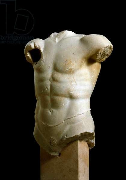 "Greek Art: """" Archer's torso"""" Marble sculpture from the acropolis of Athenes. 490-480 BC. Athenes, Acropolis Museum"