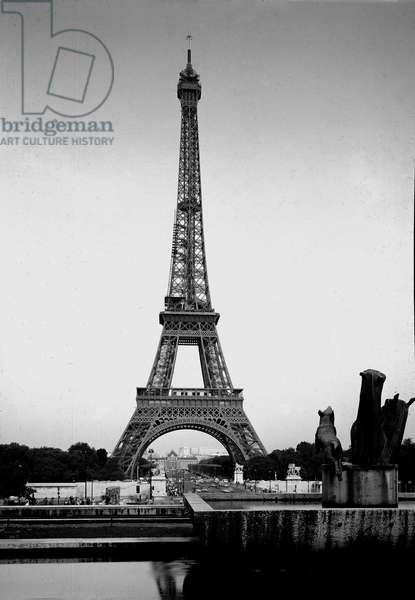 View of the Eiffel Tower made in 1889 by Gustave Eiffel (1832-1923). Paris