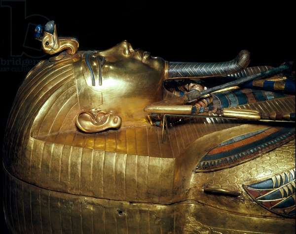 Egyptian antiquitis: gold sarcophagus and precious stones of Tutankhamun forming part of the Pharaoh's Tresor. Around 1340 BC. From the tomb of All-Ankh-Amon (Tutankhamun or Tutankhamun), Valley of the Kings, Deir el Bahari (Dayr al-Bahri). 18th dynasty. Cairo. Egyptian Museum