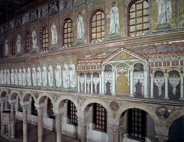 Byzantine Art: View of the central nave of mosaics of the 6th century representing the palace of Emperor Theodoric. Basilica of Saint Apollinar the Nine of Ravenna (Sant'Apollinare Nuovo, Ravenna). Italy