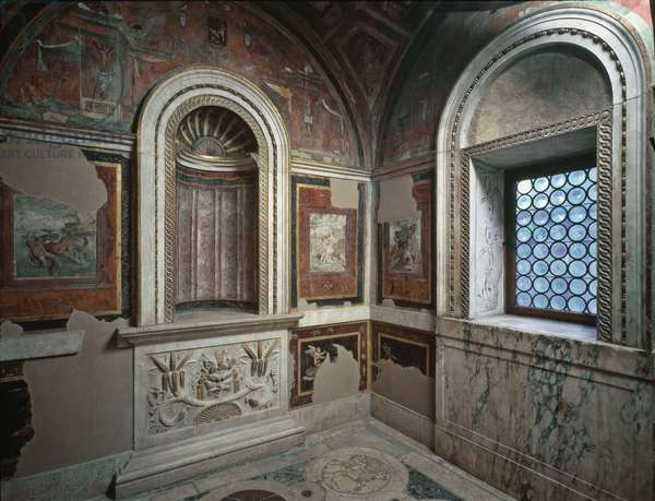 Private bathroom by Bernardo Dovizi da Bibbiena (1470-1520) Italian cardinal and playwright decoree by Raffaello Sanzio (Raphael) (1483-1520) (View of the private bathroom of cardinal Bibbiena decorated by Raffaello) Apostolic Palace, Vatican, Italy