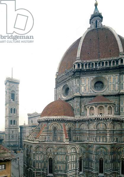 View of the Cathedral of Florence (Duomo Santa Maria del Fiore). The dome was made by Filippo Brunelleschi around 1420-1436, Florence, Italy