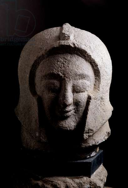 Etruscan civilization: warrior's head, stone sculpture 550-525 BC Dim 43 cm From Orvieto, italy (Etruscan art, head of a warrior, sculpture, from Orvieto, Italy, 550-525 BC, Dim 18 cm) Florence, archeological museum