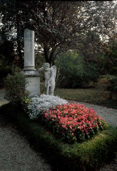 View of the tomb of Wolfgang Amadeus Mozart (photography)