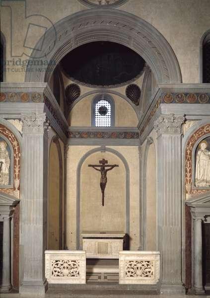 View of the wooden crucifix, 15th century Ancient sacristy (Sagrestia Vecchia) 1422-1428 Basilica San Lorenzo de Florence (Basilica of San Lorenzo) Italy