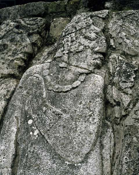 Precolombian art, Mayan civilization: stele, house A, patio 2, the Palace (the palacio) 7th-10th century Palenque, Chiapas Mexico (pre-columbian art, maya civilization: stele in the house A, patio 2 in the palace 7th-10th century Palenque Chiapas, Mexico)