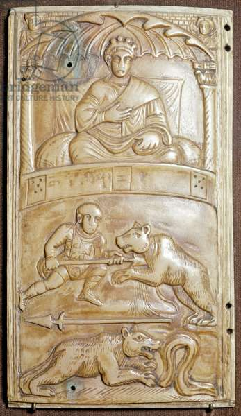 Games at the Circus with a bear (Ivory relief dyptich, ca 400)