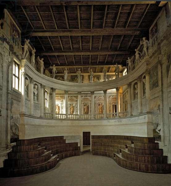 Renaissance architecture: view of the Olympic Theatre (teatro olimpico) designed by architect Vincenzo Scamozzi (1552-1616) 1588-1590 Sabbioneta, Italy