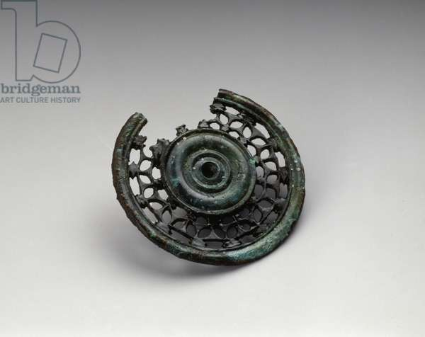 Celtic art: bronze pin head from the chariot tomb n. IV/1 of Leglise (Luxembourg). 450-400 BC. Brussels, National Service of Excavations