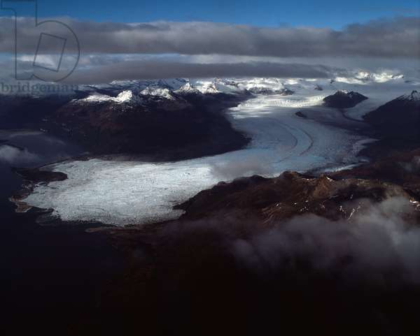 Aerial view of the Cordillere Darwin and a glacier, Tierra del Fuego, Chile, 1983 - Aerial view on the Cordillera Darwin with a glacier, Tierra del Fuego, Chile - 1983 - Photography