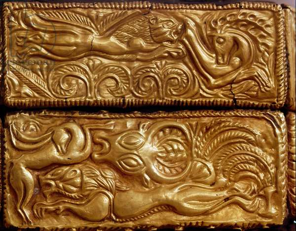 Lion hunting deer in a forest, detail of a wooden cassette covered with gold leaves from tomb V, Mycenae, 16th century BC